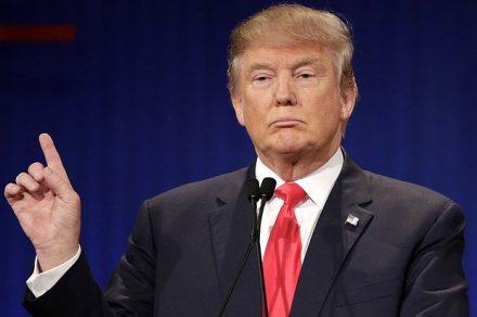 Donald  Trump préconise un monde sans informatique et sans terrorisme